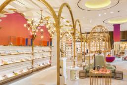 Boutique de souliers de luxe à Dubai Level Shoe District