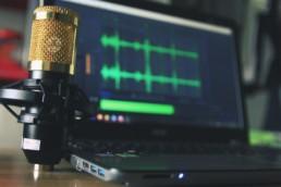 Le podcast un canal de plus en plus prisé par les media